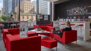 Cómo la tecnología impacta en el diseño de la oficina